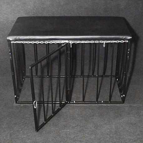 Cage pour soumis : Métal et cuir